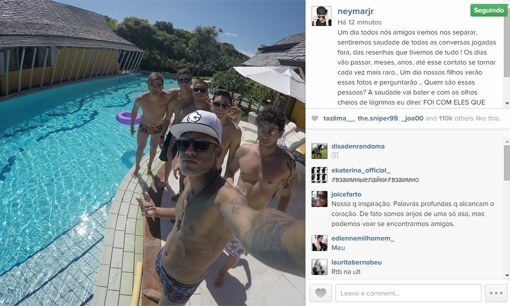 Um dia antes de retornar ao Barcelona, Neymar curte com os amigos e manda mensagem de despedida para eles em rede social