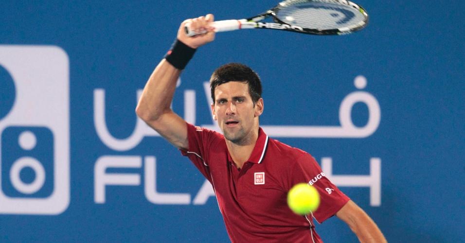 Djokovic em ação no torneio-exibição de Abu Dhabi