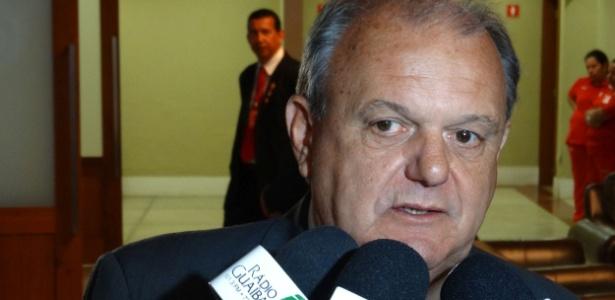 Vitório Píffero era o presidente do Internacional na gestão 2015/2016