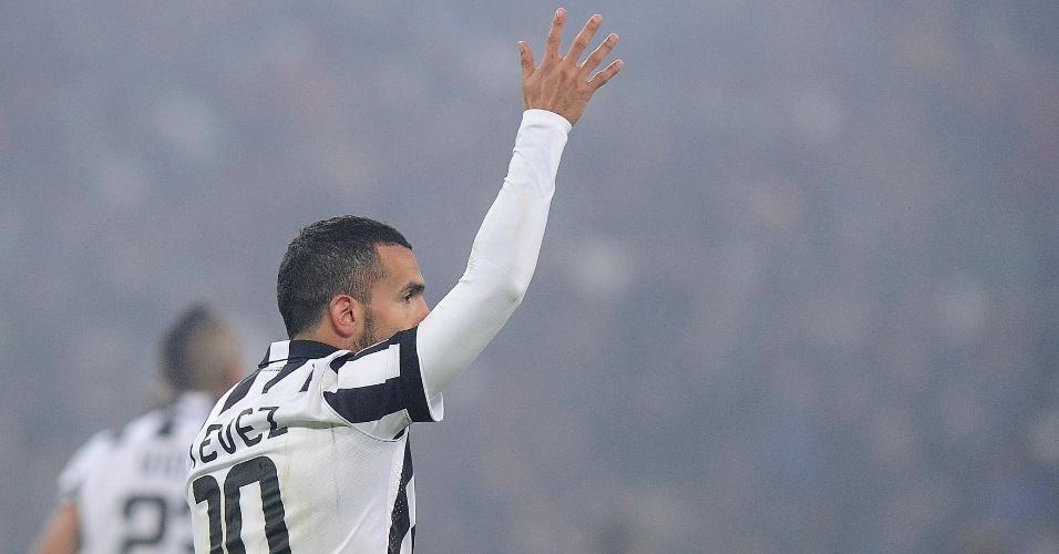Tévez comemora seu gol pela Juventus