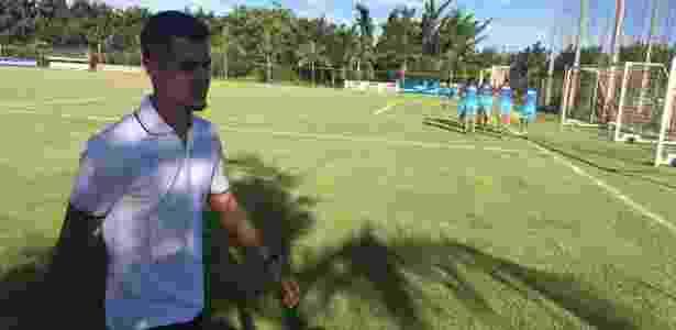 Egídio vai à Toca da Raposa II e se despede dos colegas de equipe - Thiago Fernandes/UOL Esporte