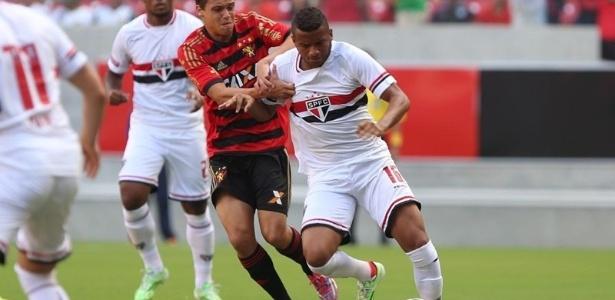 O lateral Reinaldo vai assinar contrato de um ano com a Ponte Preta