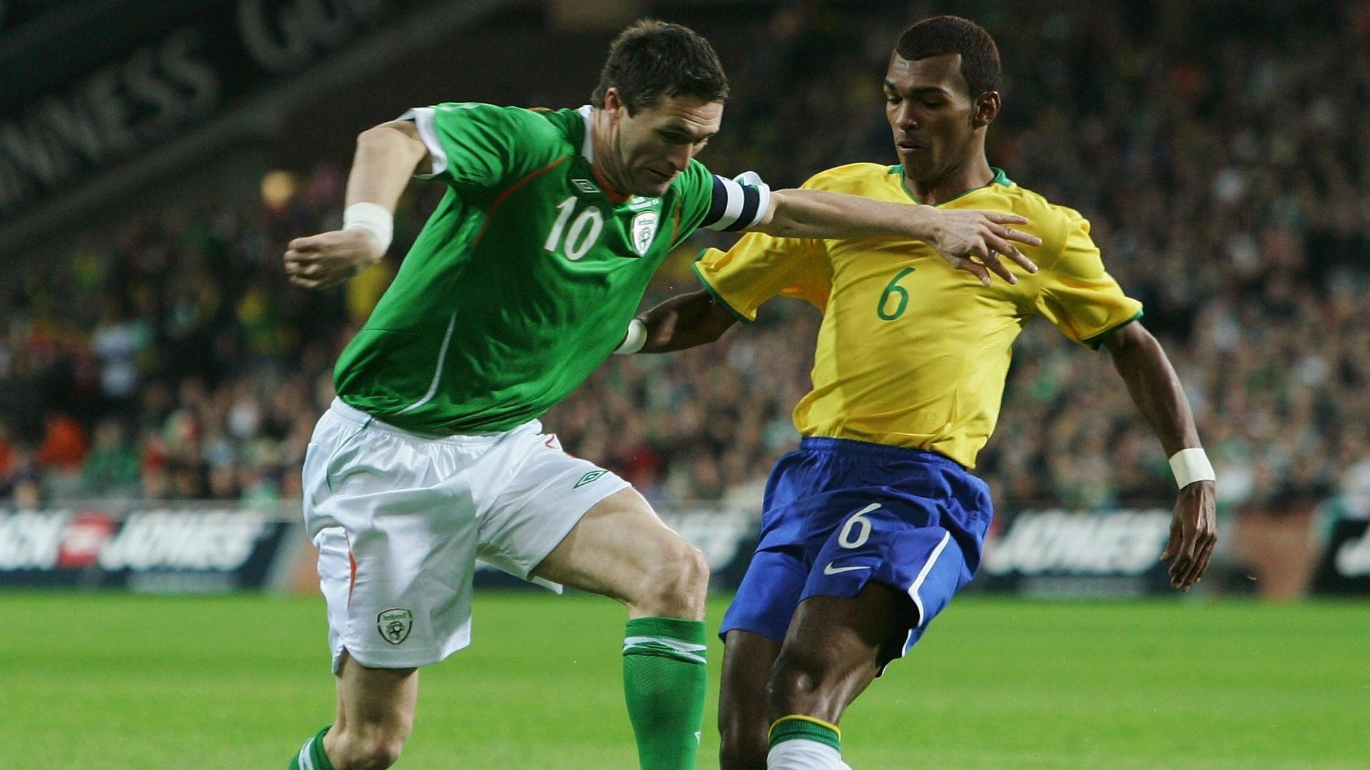 Richarlyson defende a seleção brasileira em amistoso contra a Irlanda, em 2008