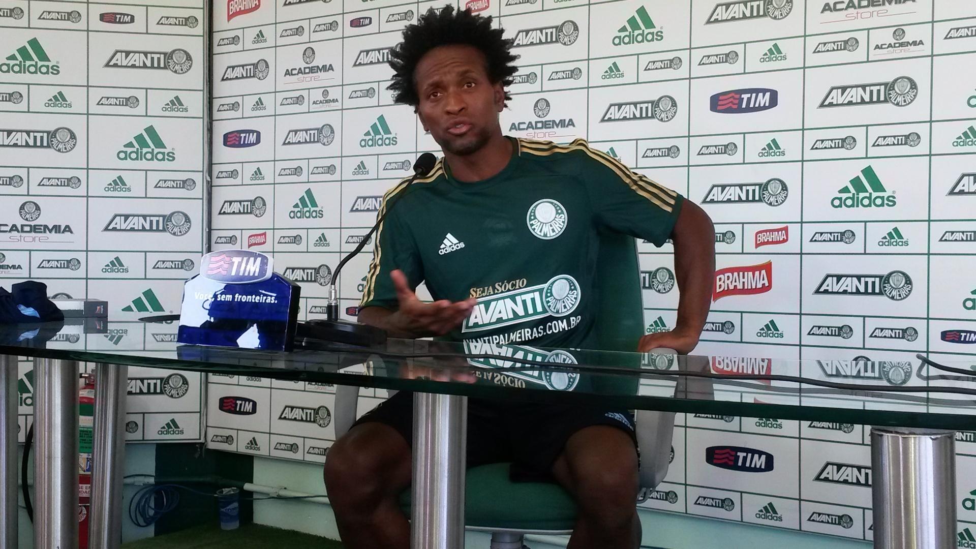 Zé Roberto se apresenta ao Palmeiras e assume a 11 de Wesley