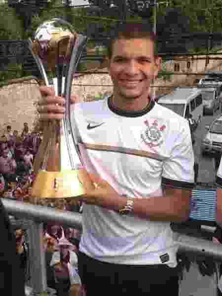 Arão no Corinthians - Reprodução/Twitter - Reprodução/Twitter