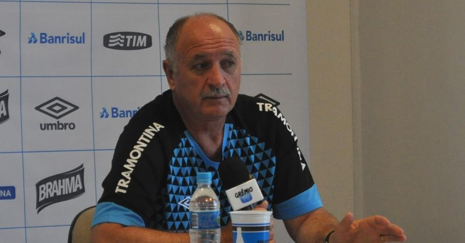 11 jan 2014 - Felipão concede entrevista coletiva no CT do Grêmio, em Porto Alegre