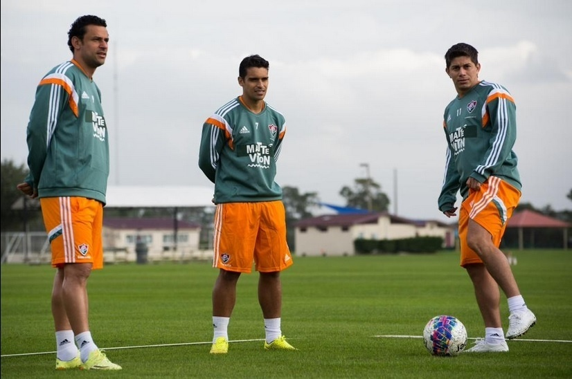 Conca [d], Jean [c] e Fred [e] se aquecem para treinamento do Fluminense em Orlando, nos Estados Unidos