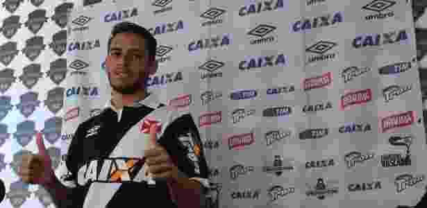Jean Patrick defendeu o Vasco por cinco jogos em 2015. Jogador cobra dívidas da época - Bruno Braz/UOL