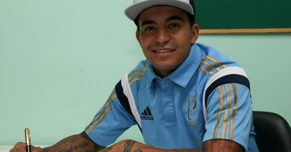 Dudu assina contrato com o Palmeiras