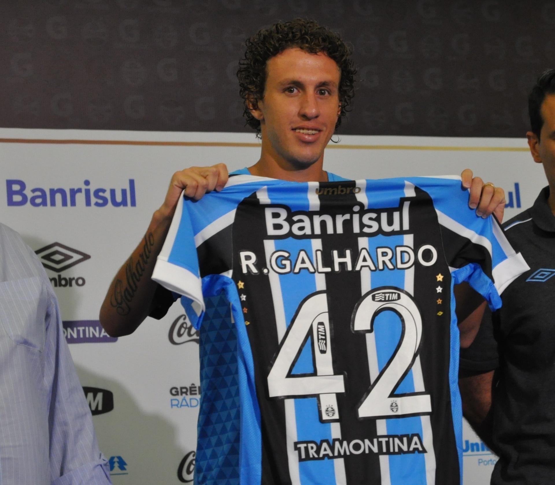 3450355e9c69e Ele tirou o Grêmio da Libertadores. Agora promete recompensar o time -  13 01 2015 - UOL Esporte