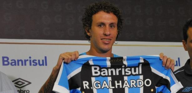 Rafael Galhardo diz que volta ao Grêmio é planejada depois de atentados na Europa