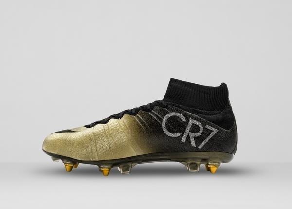 Nike divulga imagens da Mercurial CR7 Rare Gold, chuteira com detalhes em diamante dada de presente a Cristiano Ronaldo pela conquista da Bola de Ouro 2014