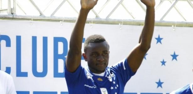 Santos quer Joel para ser o substituto imediato de Ricardo Oliveira no ataque
