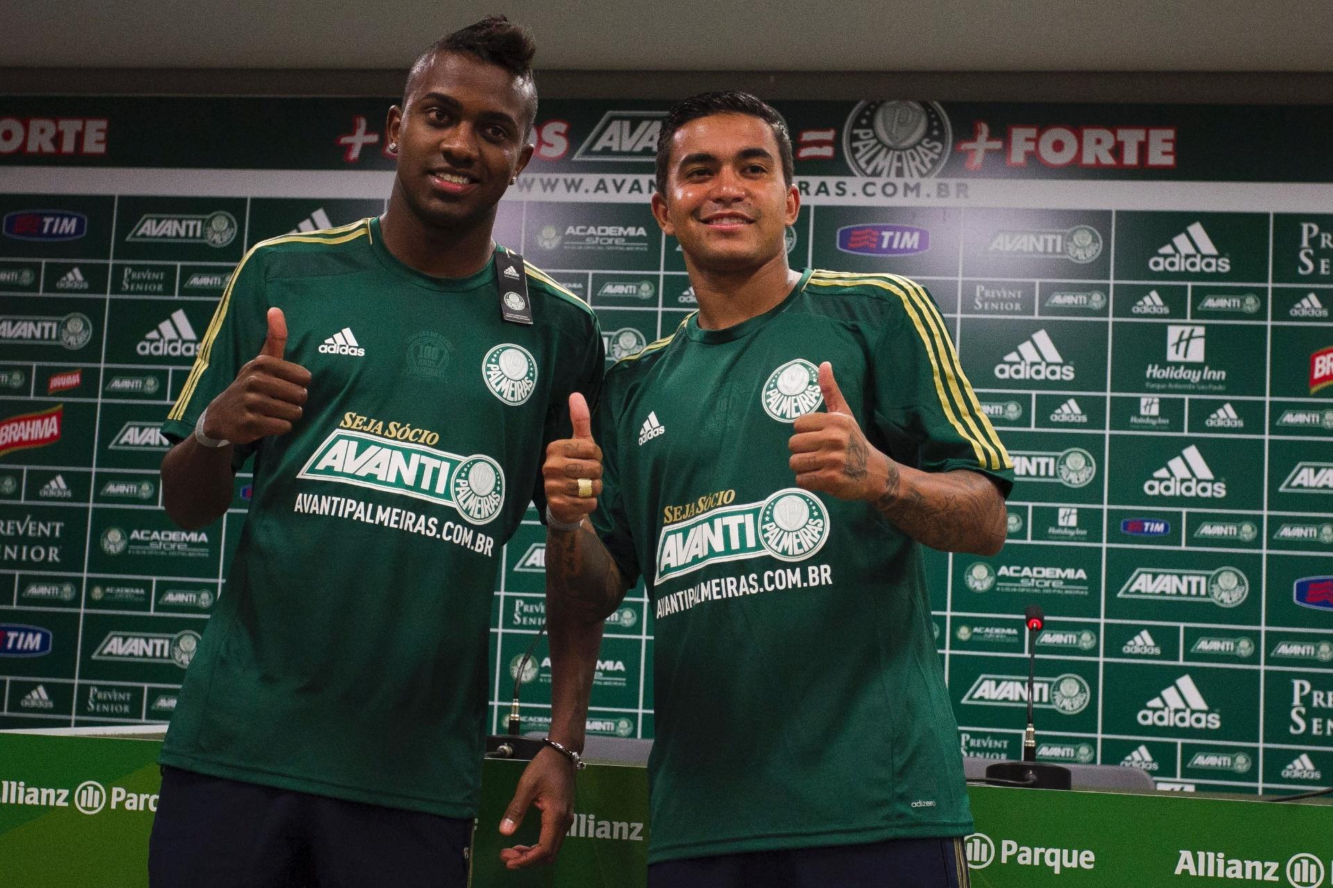0cb60e5767 Dudu chega ao Palmeiras e projeta celebrar gol contra rivais tirando chapéu  - 17 01 2015 - UOL Esporte
