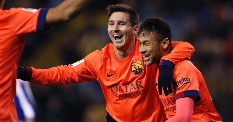 Messi comemora com Neymar o segundo gol do Barcelona contra o La Coruña