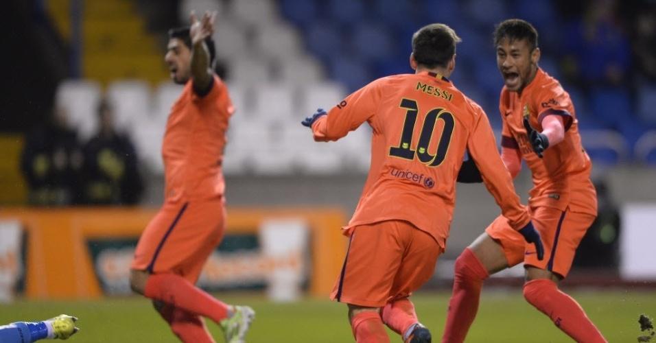Messi e Neymar comemoram o primeiro gol do argentino na partida contra o La Coruña