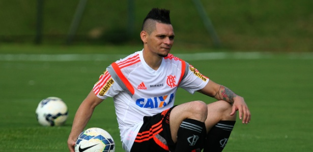 Pará voltou a ser titular depois de Rodinei sofrer uma lesão no cotovelo