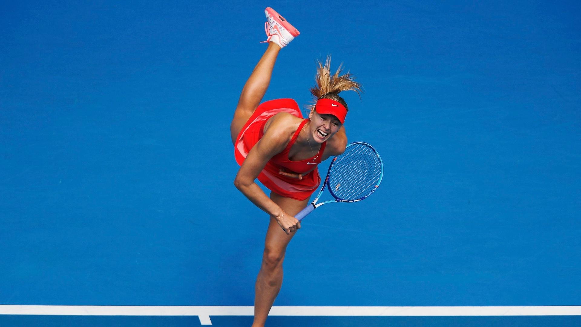 Maria Sharapova perdeu um set, mas venceu a compatriota Alexandra Panova e avançou na competição