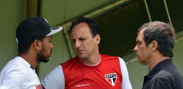 Alvaro Pereira se despede de Rogério Ceni no São Paulo - Site Oficial / saopaulofc.net