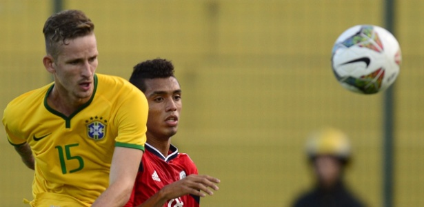 Léo Pereira em ação pela seleção brasileira sub-20