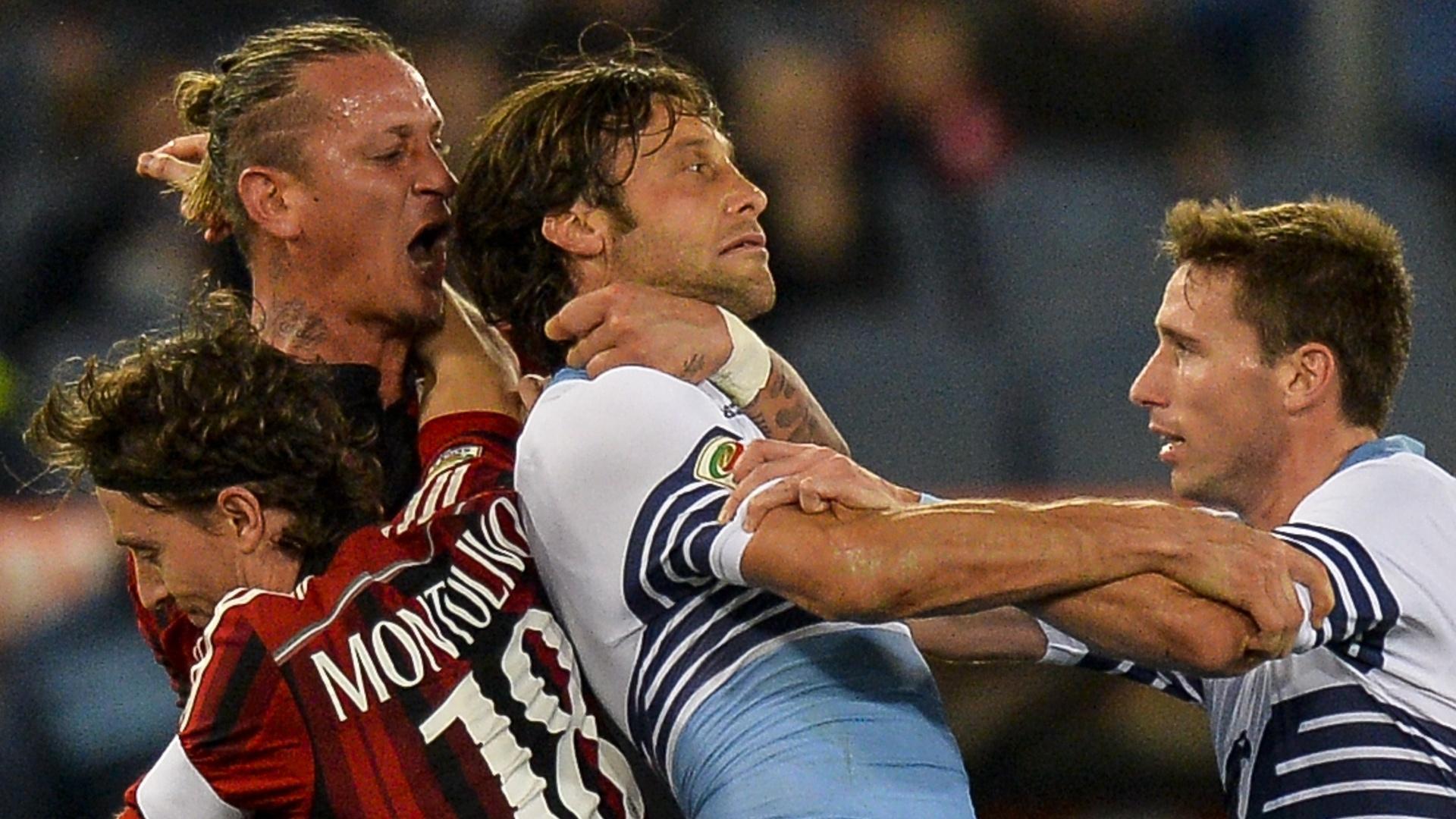 Mexes dá gravata em Mauri no fim da partida entre Lazio e Milan