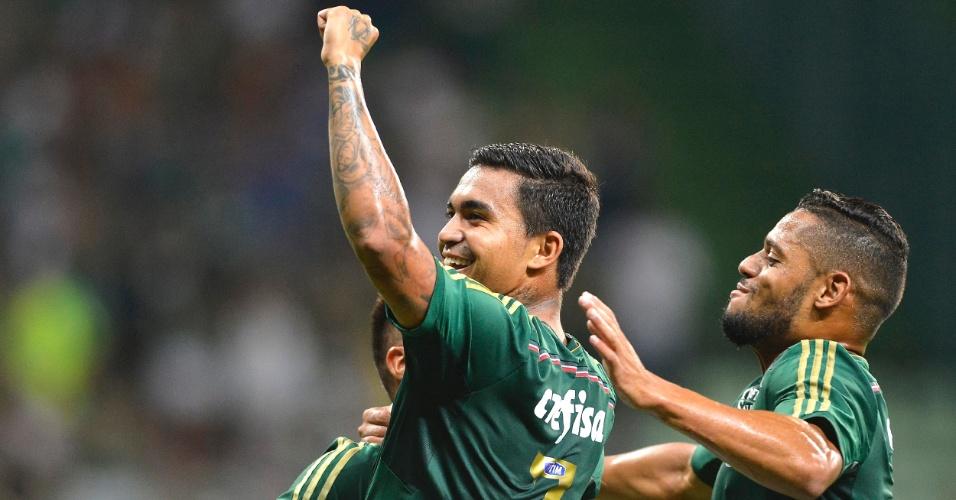 Dudu comemora gol do Palmeiras contra o Red Bull Brasil em amistoso