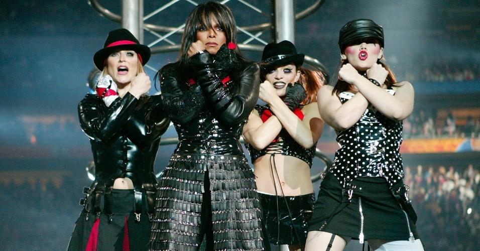A cantora Janet Jackson foi uma das estrelas do show do intervalo do Super Bowl 38, que contou também com os artistas P. Diddy, Nelly, Kid Rock e Justin Timberlake
