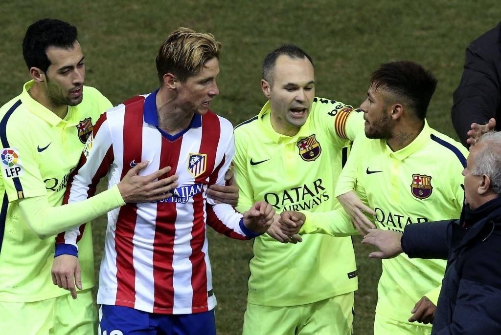 Antes de Torres, Raúl García e Juanfran já haviam ido tirar satisfação com o brasileiro. Mas foi com