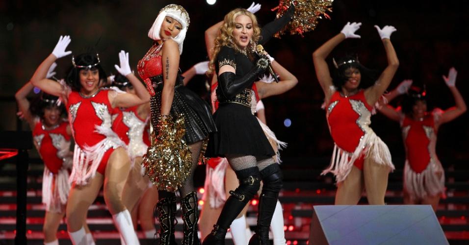 Madonna (dir.) se apresenta com Nicki Minaj no show do intervalo do Super Bowl 46; além de Minaj, também participaram do show de Madonna os artistas Cee Lo Green, M.I.A., LMFAO e o Cirque du Soleil