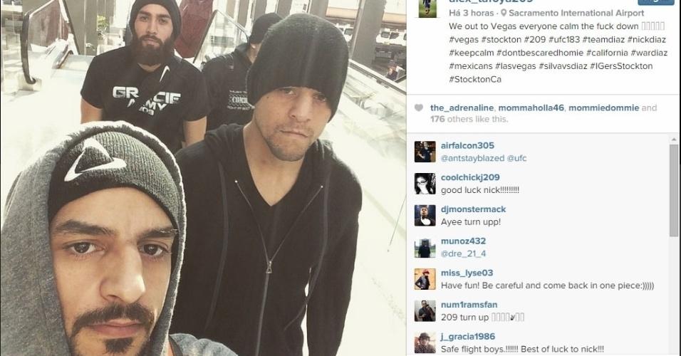 Membro da equipe de Nick Diaz mostra que o norte-americano foi para Las Vegas depois de um dia de atraso