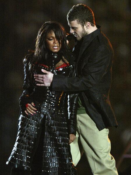 Justin Timberlake tirou parte da roupa de Janet Jackson e deixou um de seus seios a mostra - Donald Miralle/Getty Images
