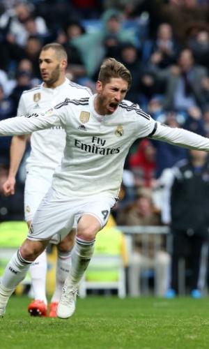 Sergio Ramos vibra com gol da virada do Real Madrid sobre a Real Sociedad