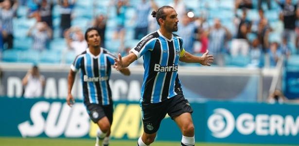 Argentino tem acompanhado jogos do Grêmio em Porto Alegre, durante as férias