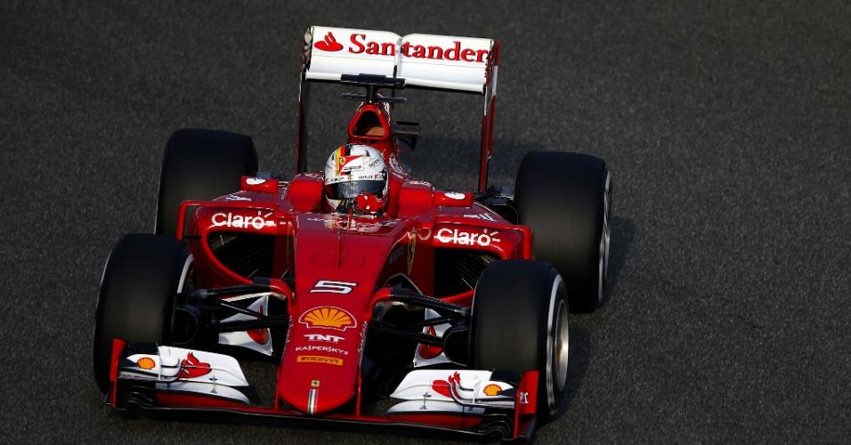 Sebastian Vettel testa Ferrari em Jerez de la Frontera
