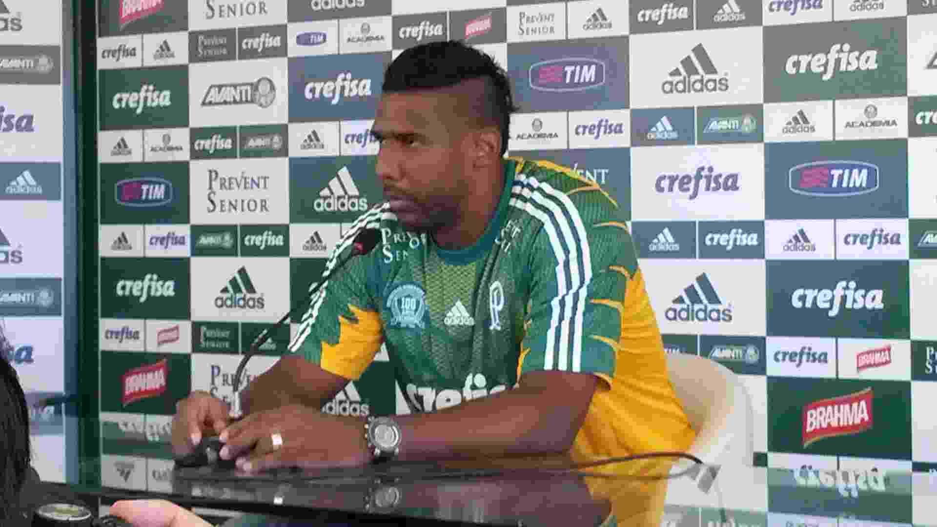 03.fev.2015 - Goleiro Aranha é apresentado como novo reforço do Palmeiras - Danilo Lavieri/UOL