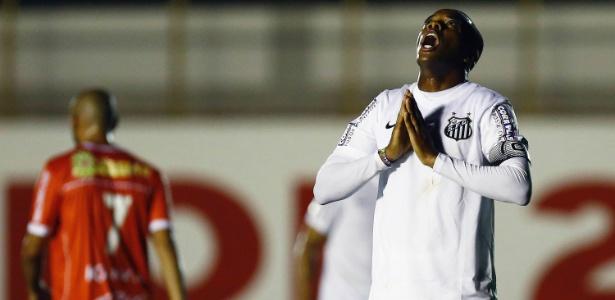 Estafe de Robinho criticou postura do novo presidente do Santos sobre o jogador