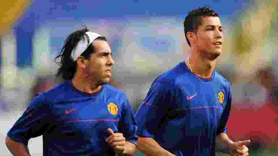 Cristiano Ronaldo e Tevez correm no campo antes da final da Liga dos Campeões de 2009, contra o Barcelona - Shaun Botterill/Getty Images