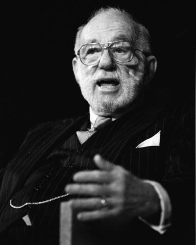 Benjamin Spock: Diferentemente de outros nomes famosos no mundo das artes, Spock virou uma referência na pediatria, uma voz que desde a década de 1940 o levou a ter livros entre os mais lidos dos EUA - um deles, o segundo mais comercializado da história, atrás só da Bíblia.