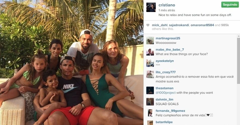 Cristiano Ronaldo aparece com o filho e a família nas férias de final de ano