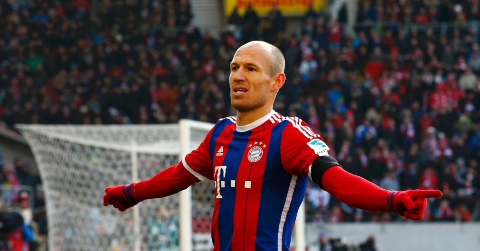 Robben comemora o seu gol pelo Bayern contra o Stuttgart, pelo Campeonato Alemão
