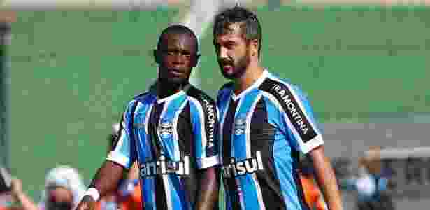 Lincoln (e) perdeu espaço no Grêmio após expulsão e problema particular - Divulgação/Grêmio