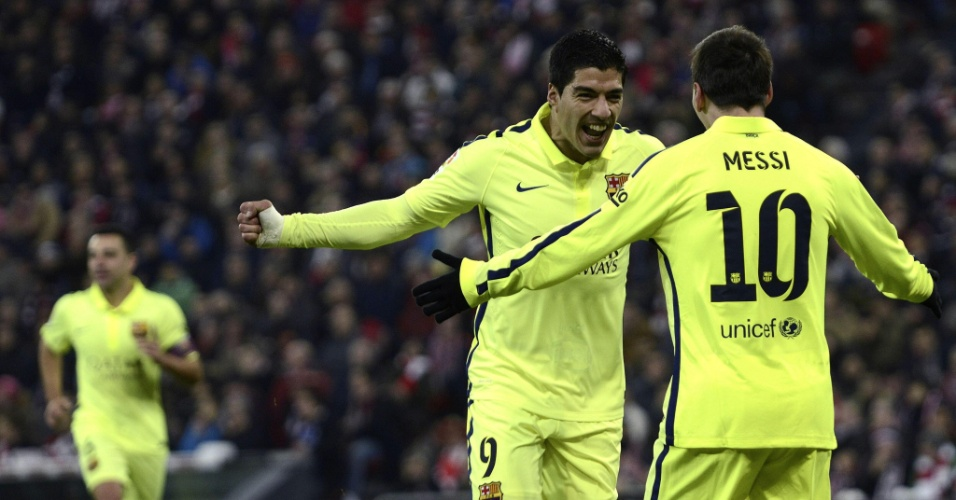 Luis Suárez comemorao seu gol marcado contra o Athletic Bilbao pelo Campeonato Espanhol