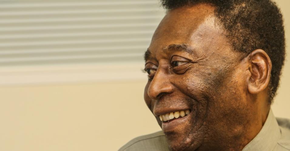Pelé concede entrevista para o UOL Esporte em Curitiba