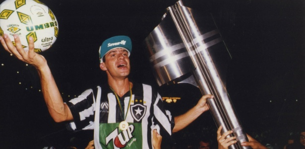 Túlio, em 1995, pelo Botafogo