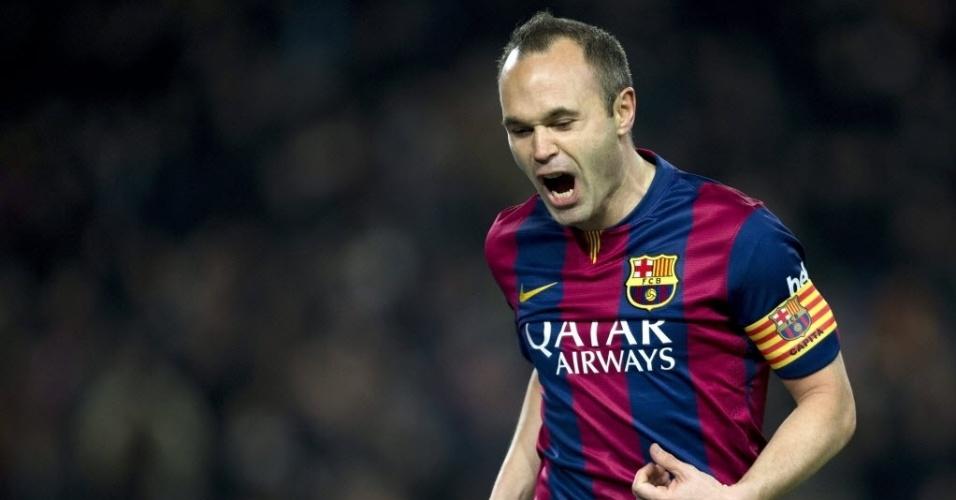 Capitão do Barcelona, Iniesta vibra após fazer o segundo do time catalão contra o Villarreal
