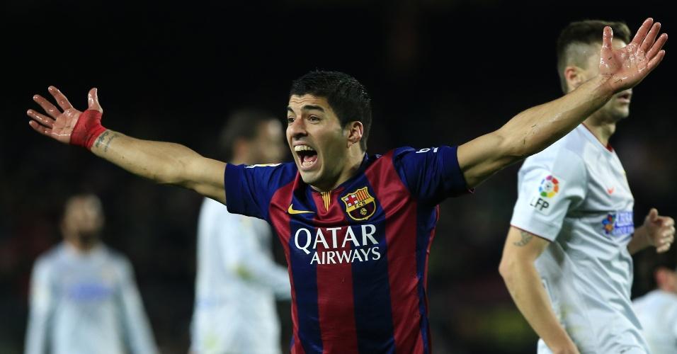 El jugador Luis Suárez de Barcelona, reacciona durante el partido de ida de los de cuartos de final de la Copa del Rey ante Atlético de Madrid, en el Estadio Camp Nou, en Barcelona, España, el 21 de enero de 2015. (Xinhua/Pau Barrena) (jp) (ah)