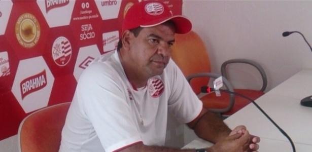 Moacir Júnior, ex-técnico do Náutico, está na mira do São Bento