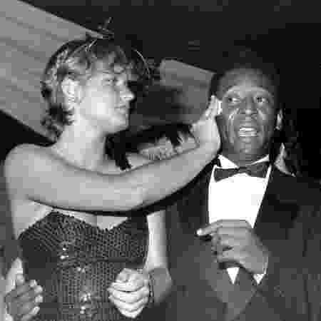 Pelé e Xuxa participam do Baile Oficial de Gala do Carnaval paulistano no clube Paineiras do Morumbi, em 1983 - Jorge Araújo - Jorge Araújo