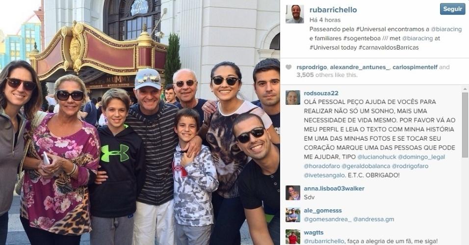 O piloto Rubens Barrichello foi curtir o Carnaval na Disney, e encontrou com a piloto Bia Figueiredo no