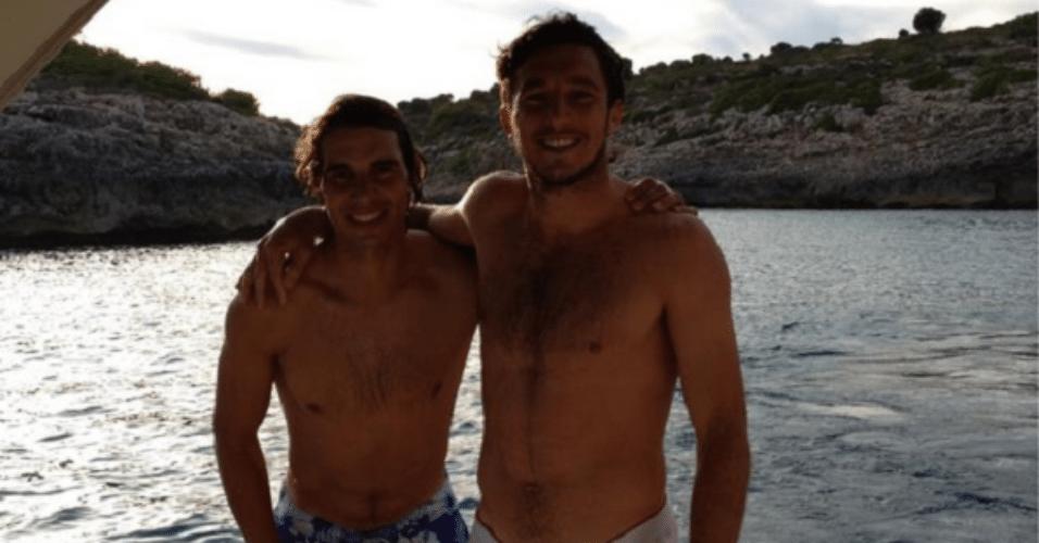 Os dois também aproveitaram para fazer um passeio de barco na costa espanhola